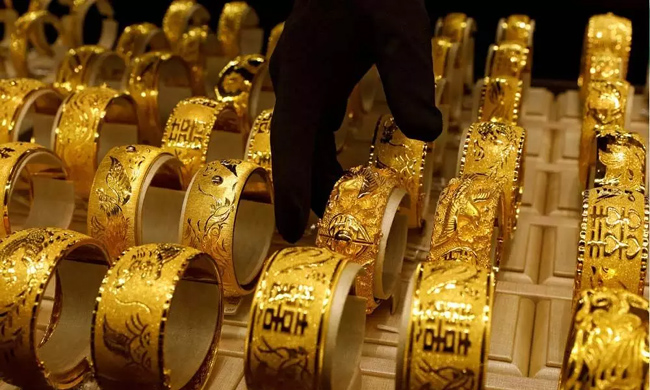Is it time to buy gold? Fell to a 10-month low