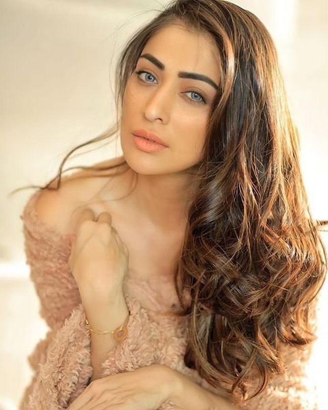 Ravishing Beauty Raai Laxmi Photos - Photogallery - Page 5