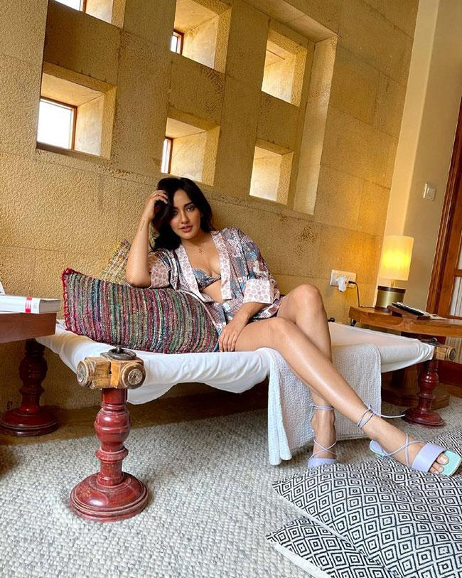 Neha Sharma Stunning Pose