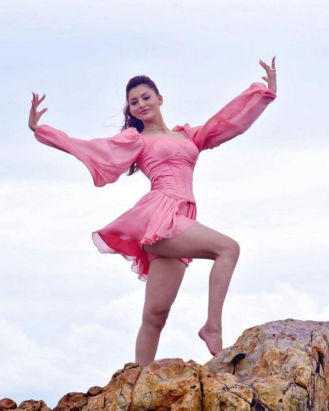 Urvashi Ratuela Latest Stunning Pose