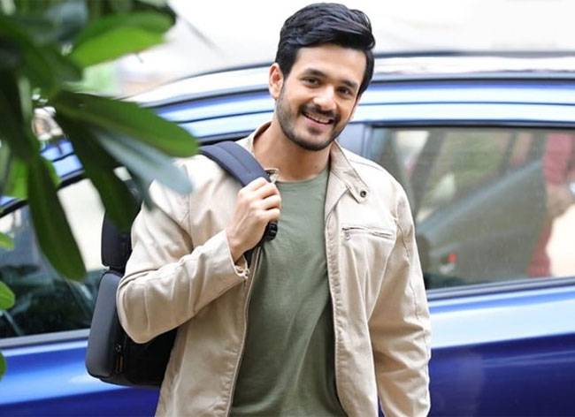 With whom is Akhil after Surender Reddy