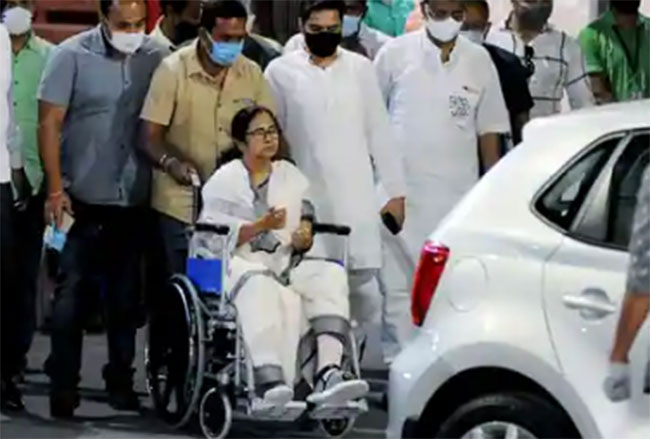 Mamata Benerjee Election journey with one leg