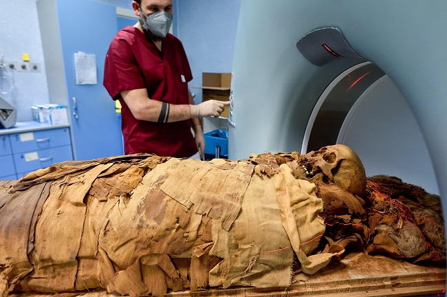 CT scanning for Egyptian mummies