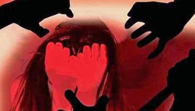 Gang rape of doctors in hospital