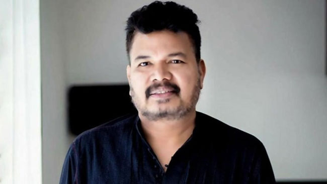 RRR puts Shankar in waiting list