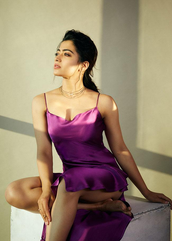 Rashmika Mandanna Latest Stunning Pose