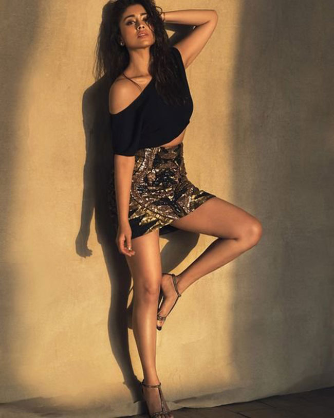 Shreya Saran Latest Stunning Pose