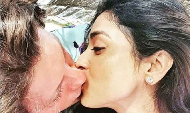 shreya saran choked with a deep lip lock