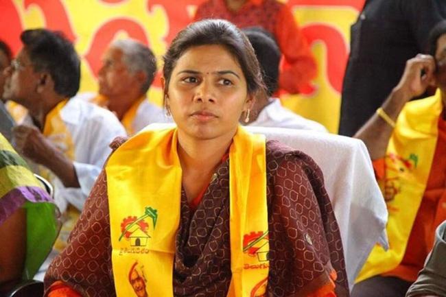 Tdp ex minister Bhuma Akhilapriya Comments