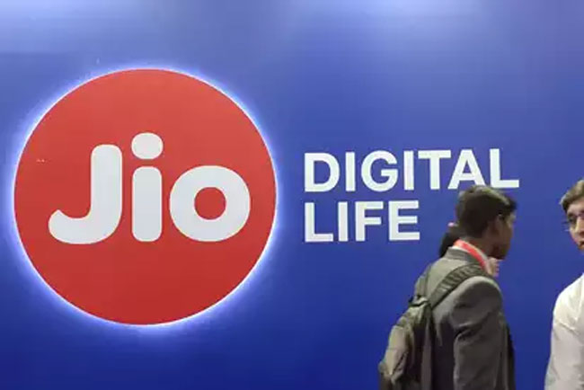 Internet in the car Jio is the key decision