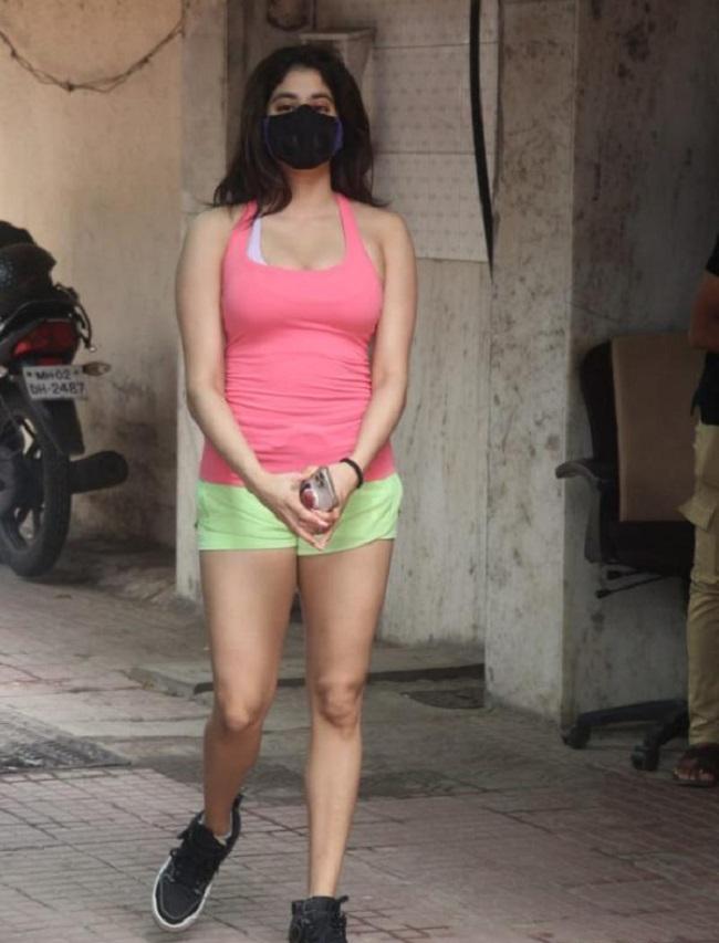 Janhvi Kapoor latest photos at the gym