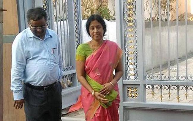 Jagan assets case shock to IAS Srilakshmi