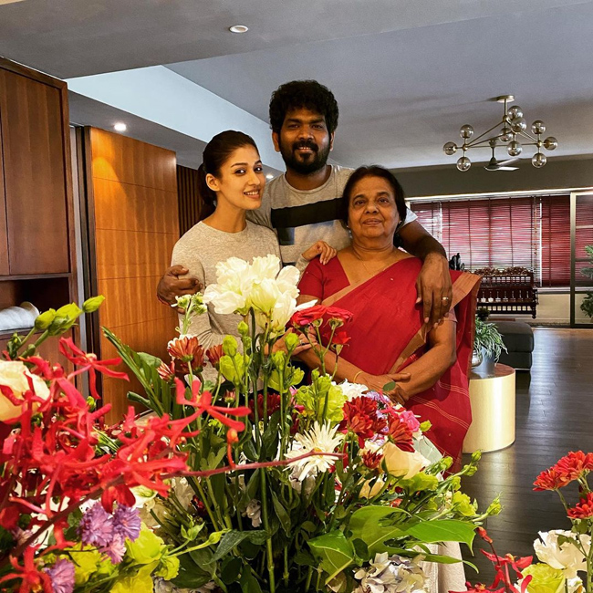 Nayanthara with her Mother