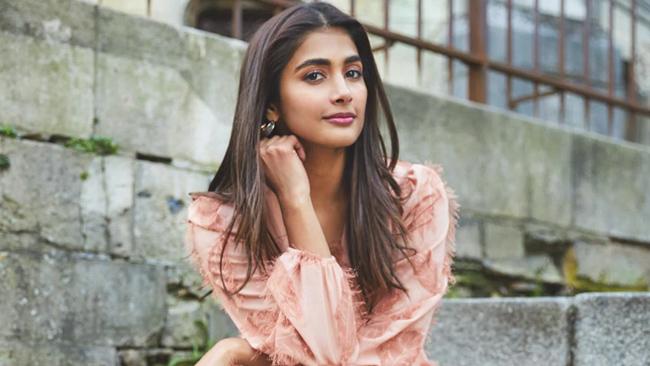 Negativity On Pooja hegde stardom