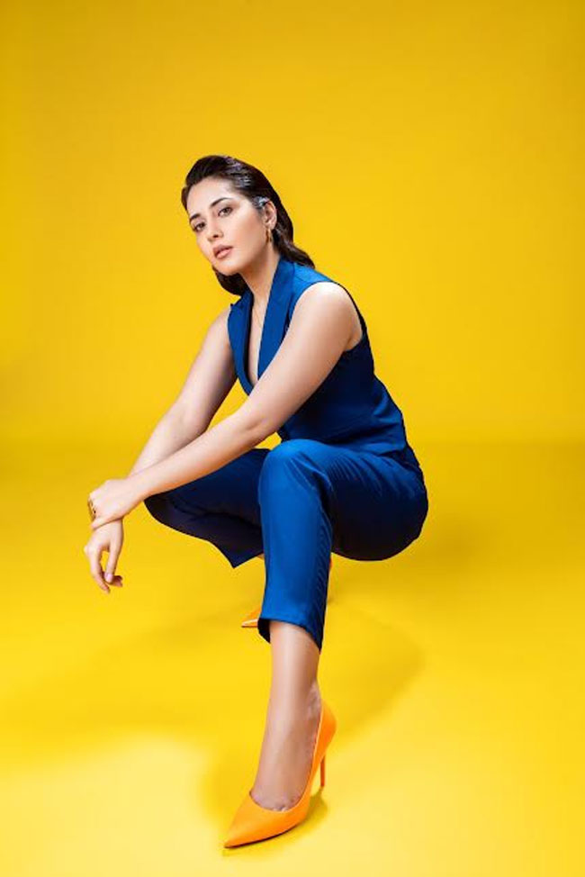 Raashii Khanna Promotions Pic for TughlaqDurbar