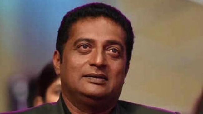 Seniors Fire On Prakash Raj