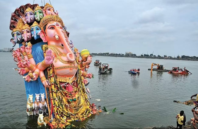 Supreme Court gives green signal for immersion in Hussain Sagar