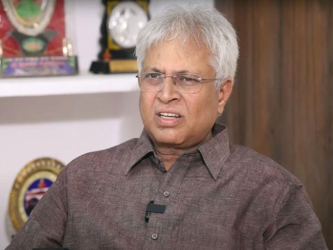 Vundavalli said that Modi Jagan was doing wrong